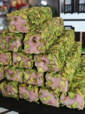 Zoetterette aardbeien Turks fruit met pistache